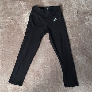 CROPPED LEGGINGS with SIDE POCKETS